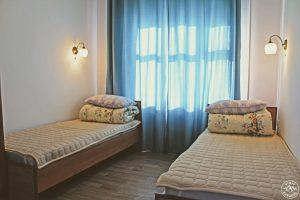 KbH Karakol based hostel twin room